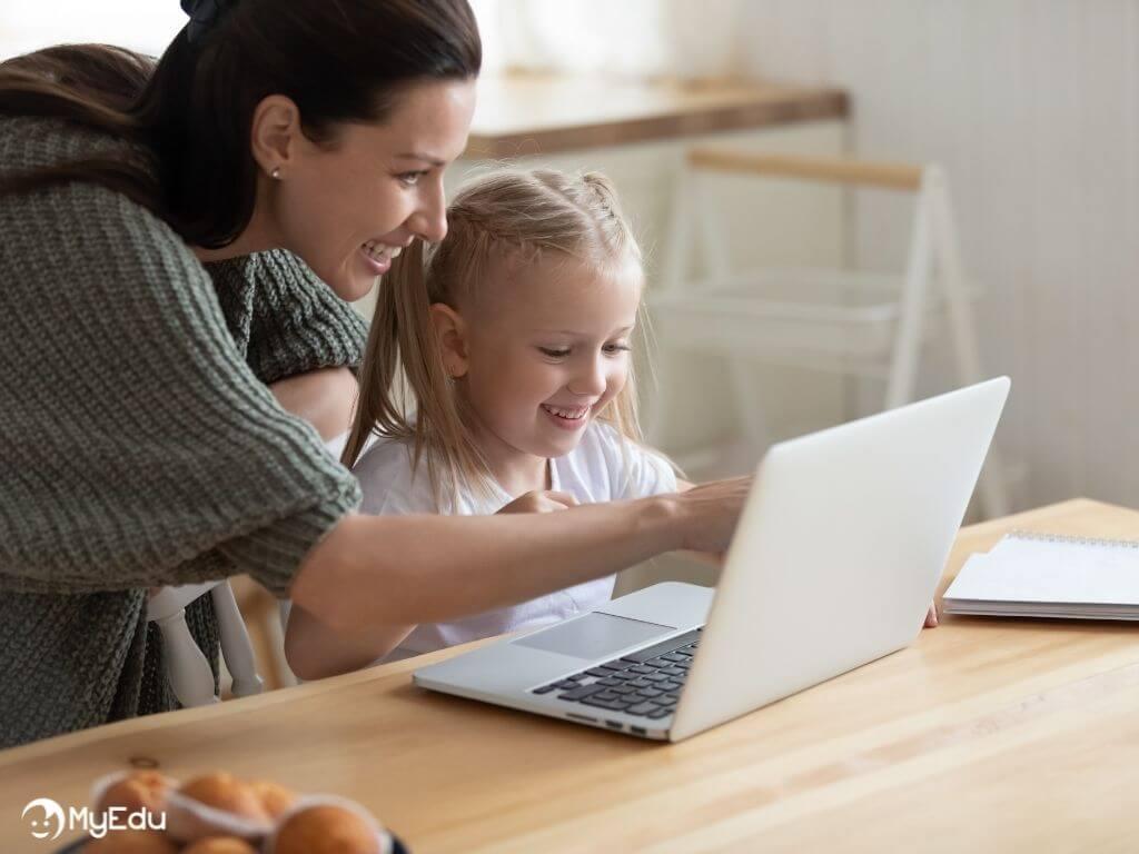 MyEdu_didattica digitale_bambina e mamma